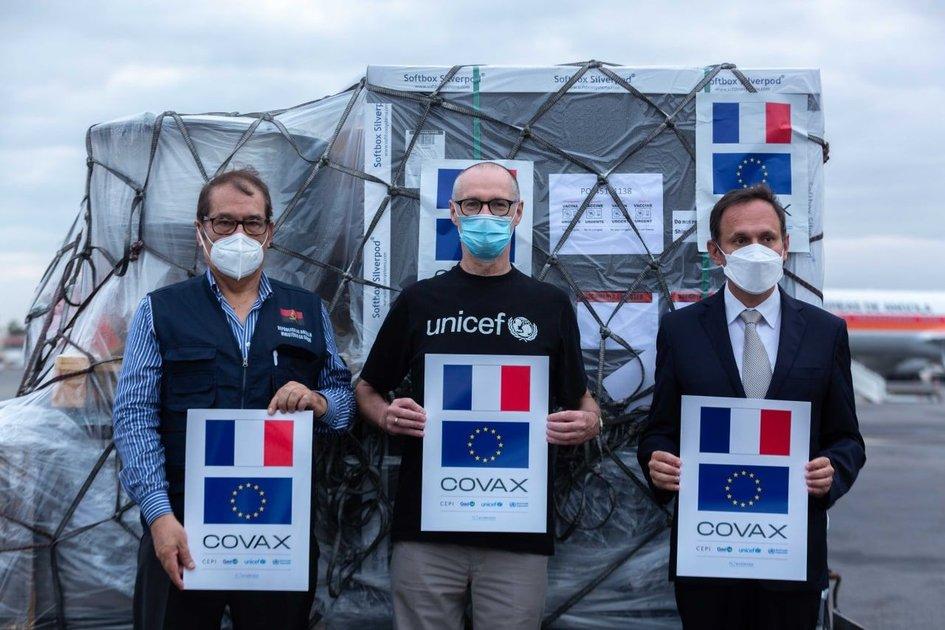 Donativo de vacinas COVID-19 da França para Angola